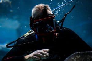 scuba diving with a full face scuba mask