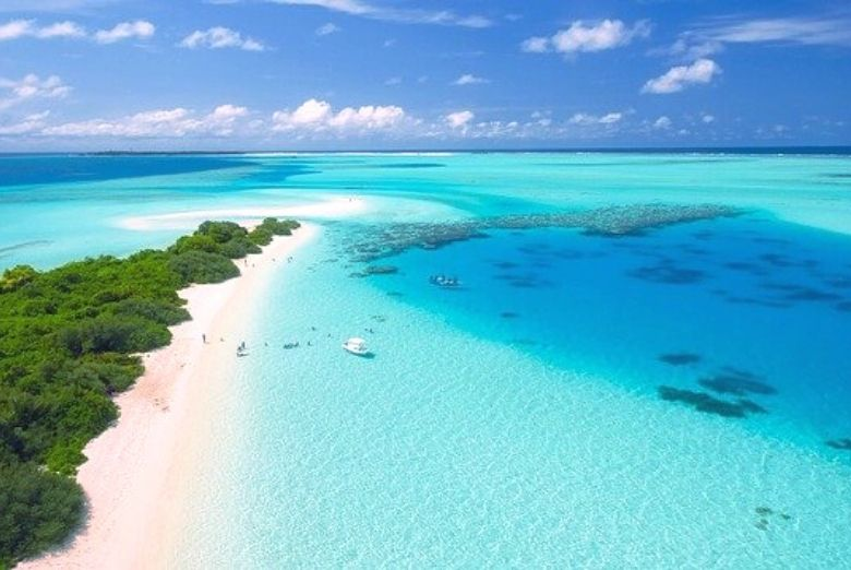 aerial photo of the maldives
