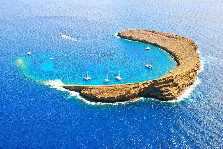 snorkeling molokini crater
